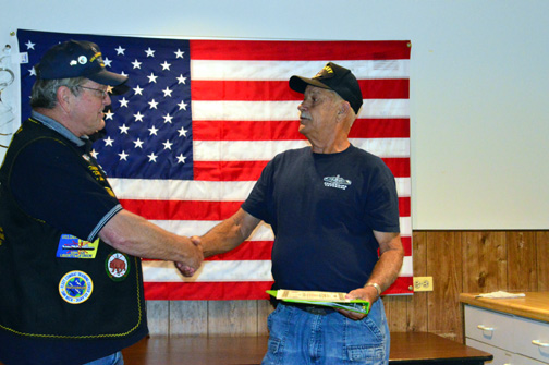 Ray Ratliff receives Holland Club Award from Crash Dive Base Commander Clayton Hill